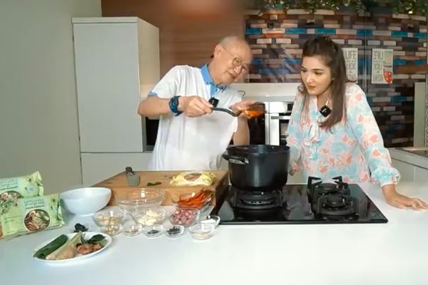 Ashanty dan William Wongso Masak Bareng, Bikin Mie Kari Lemonilo Kepiting Kalio