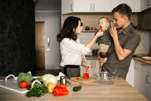5 Perlakuan Sederhana Orang Tua yang Bikin Si Kecil Makin Merasa Disayang