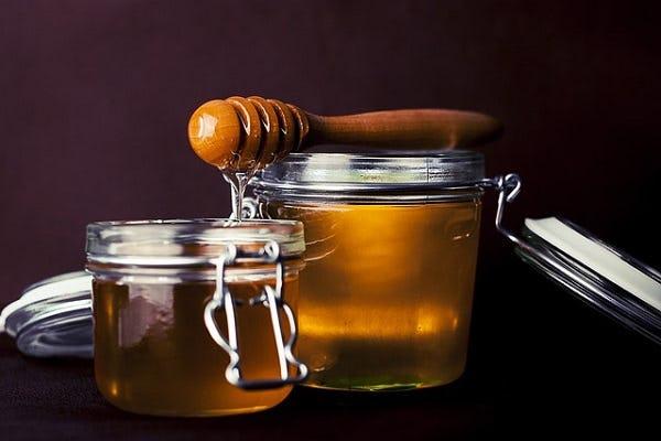 Menggunakan Madu Sebagai Pemanis Alternatif Pengganti Gula