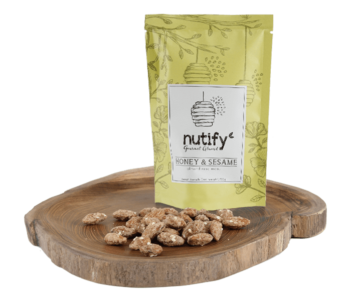 Nutify Kacang Almond Madu & Biji Wijen Gourmet