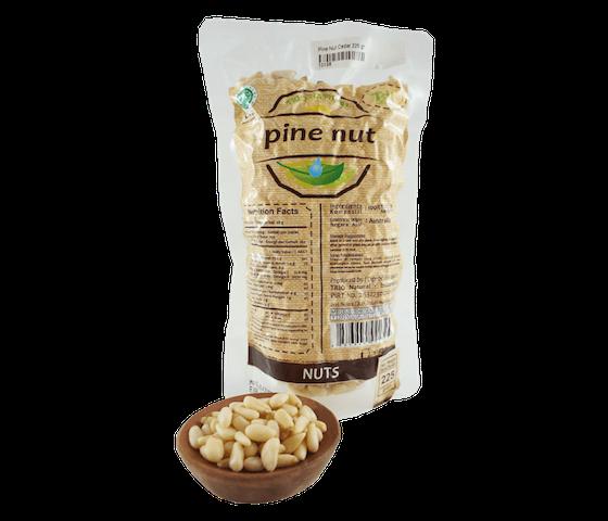 Trio Kacang Pine 225 gr
